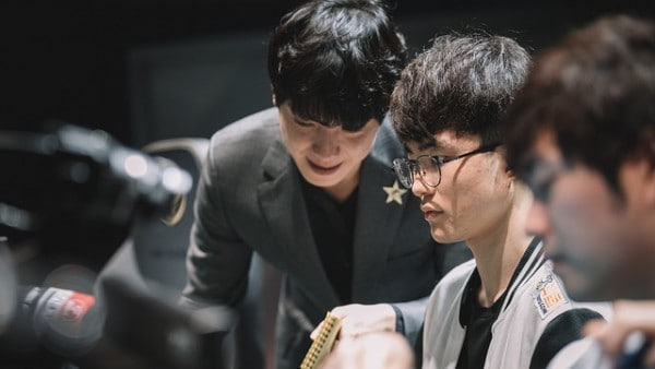 SKT T1 vs Flash Wolves: El Despertar del Demonio